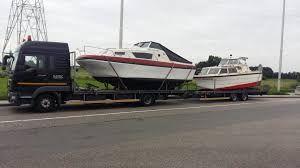 Transport niskopodwoziowy gabarytów łodzi jachtów aut samochodów busów