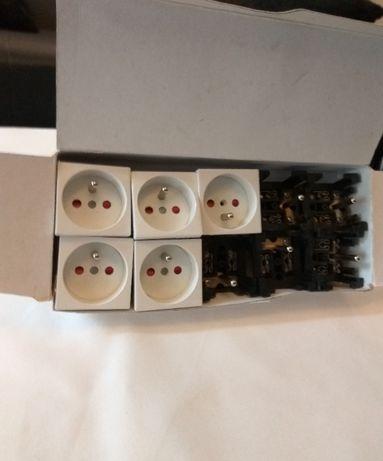 Gniazda elektryczne 10 sztuk