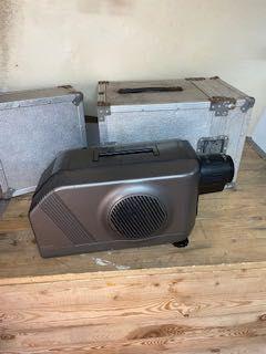 Video projector Sanyo PLC-200