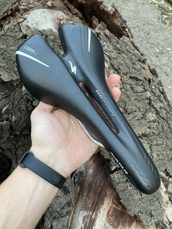 Седло Specialized Avatar Comp Gel 143mm