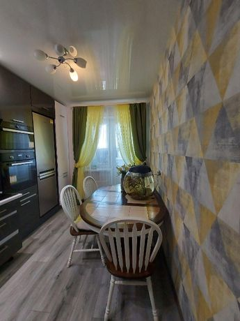 Продам 1-к (2-к ) квартиру М Академмистечко ЖК София Киевска