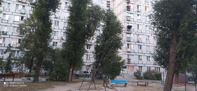 Продам 1-комнатную квартиру на ж/м Солнечный, центр. С ремонтом.