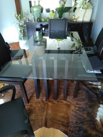 Mesa jantar em vidro e cadeiras