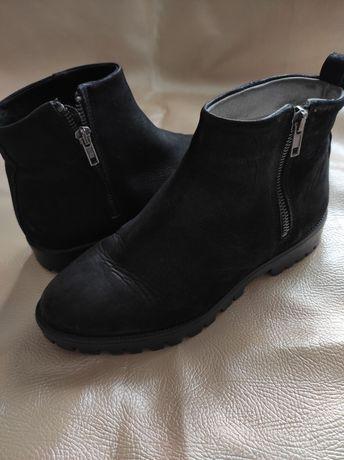 Жіночі замшеві ботинки