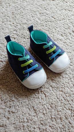 Buty niechodki trampki niemowlęce
