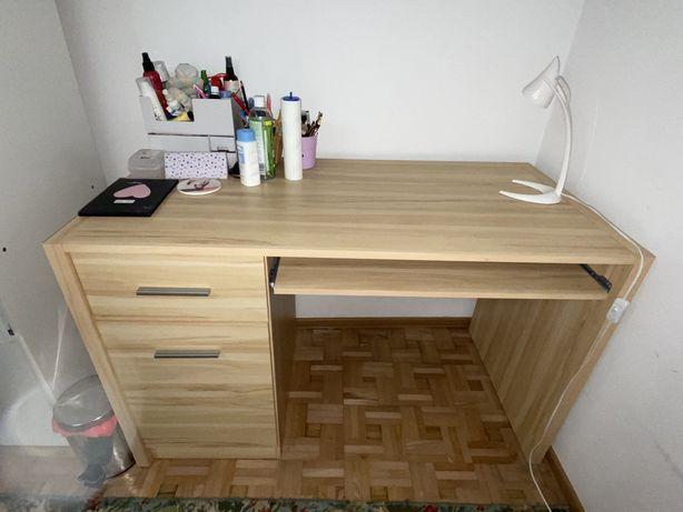 Dąb sonoma biurko mało używane jak nowe