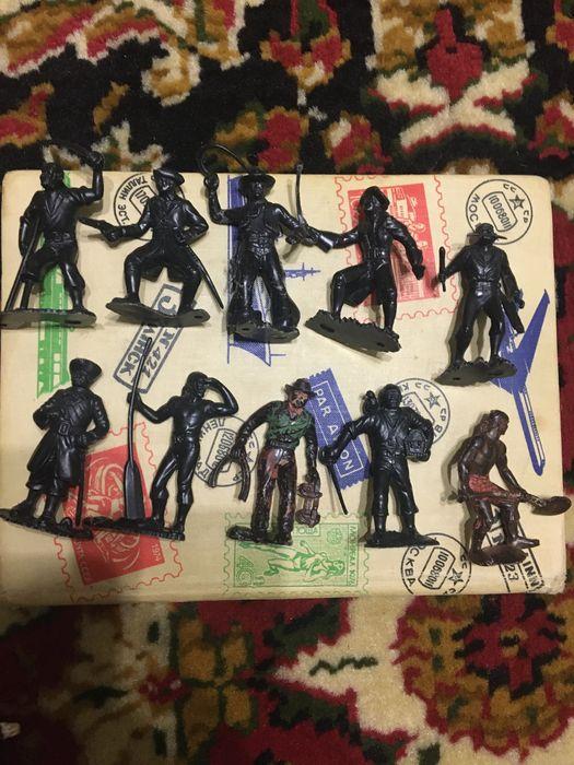 Старі іграшки фігурки Львов - изображение 1