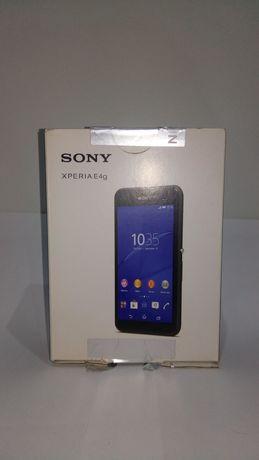 Sony Xperia E4g com assessórios
