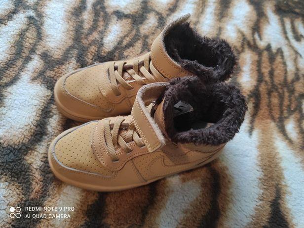 Nike buciki przejściowe rozm.28