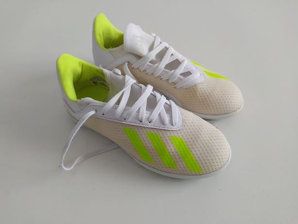 Chuteiras Adidas N 33
