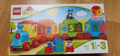 Klocki Lego Duplo pociąg z cyferkami.
