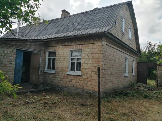 В продаже пол дома 90 м2(кирпич)+11 соток с. Новые Петровцы