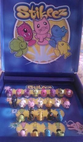 Coleção Completa Stikeez Lidl - caixa, tabuleiro e 24 bonecos