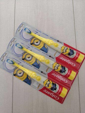 Детские зубные щетки на батарейках Colgate