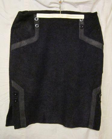 Юбка букле для девочек черная,с отделкой из натуральной кожи и пугови
