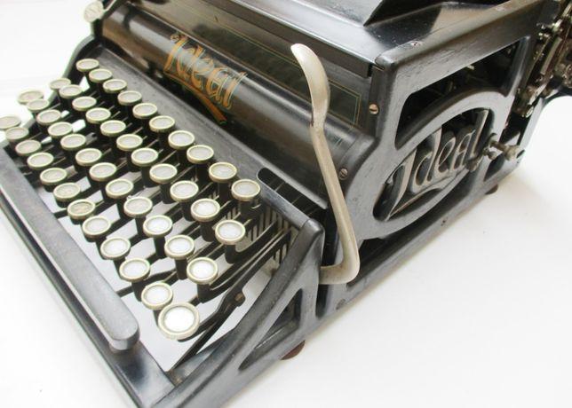 Maquina de escrever – peça Museu – Ano 1909