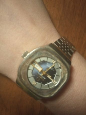 часы женские Omax с 3 бриллиантами