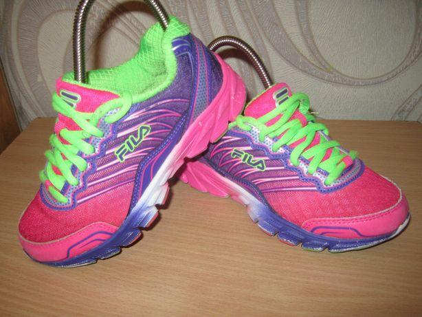 Продам кроссовки фирмы Fila 28 размера .