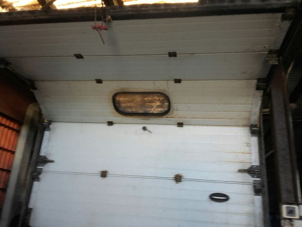 Porta de garagem com comando