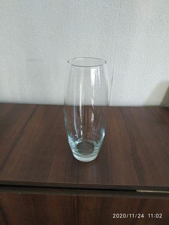 Вазу чешское стекло