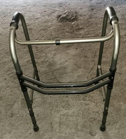 Andarilho + bengala + bacio hospitalar + cadeira