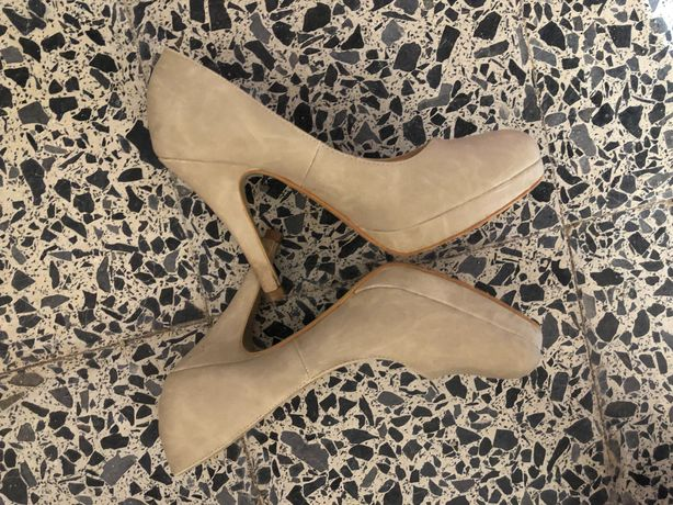 Sapatos altos bêche T36