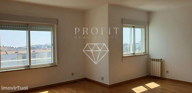 Arrendamento Apartamento T3 com Suite, Carnaxide