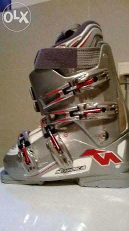 Młodzieżowe buty narciarskie