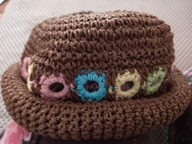 Letni kapelusz must have ręcznie pleciony