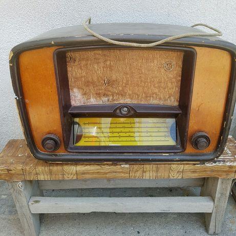 Два радиоприёмника 50е годы