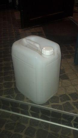 Продам канистры пластик (Германия). 20 (23) литра