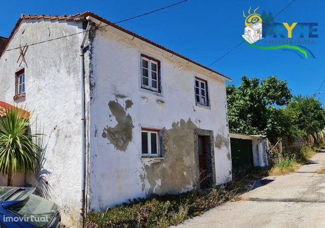 Imóvel rústico a necessitar de obras situada em Cabeçudo - Sertã