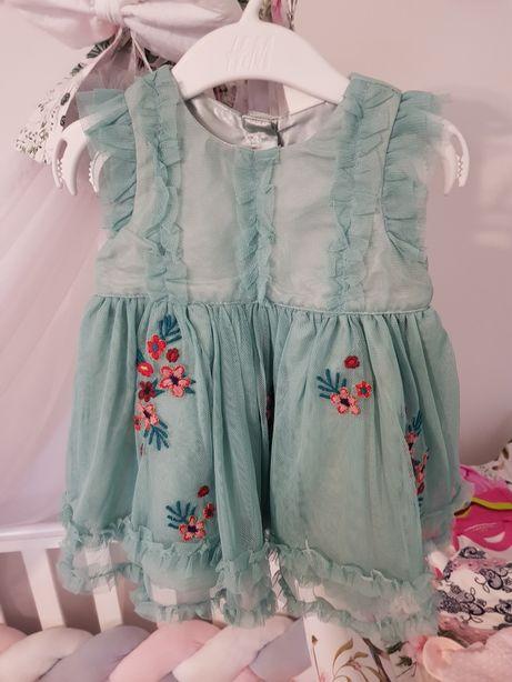 Nowa sukienka HM 68 wesele , chrzciny tiulowa w kwiaty falbany haft
