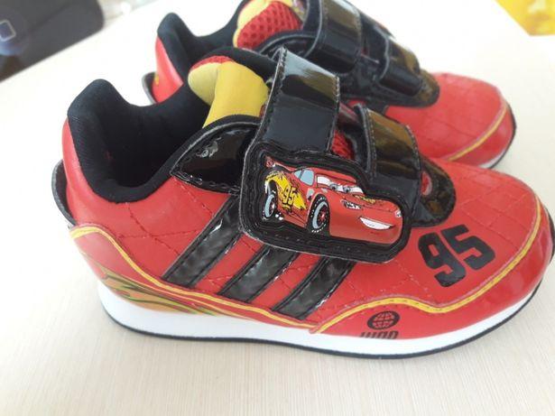 Терміново.Кросівки. Кросовки adidas