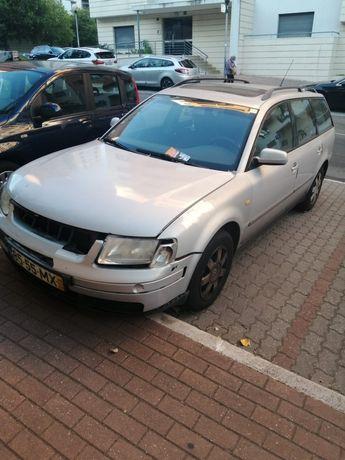 Vendo VW Passat acidentado.