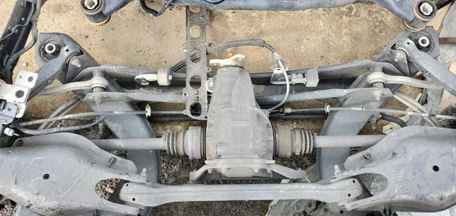 Продам Мерседес Mercedes подрамник редуктор рычаги W204 W209