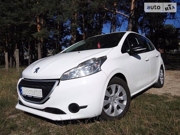 Продам Peugeot 208 diesel 1.6 Пежо
