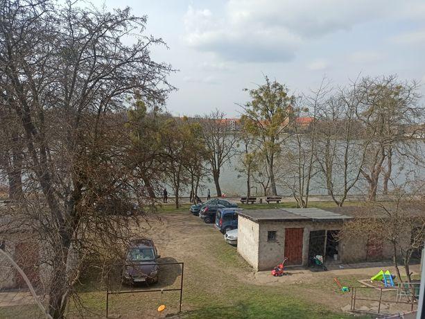 Mieszkanie z widokiem na jezioro.