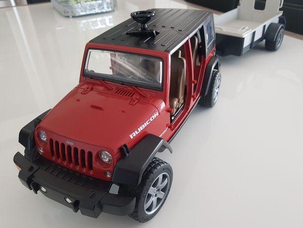 Jeep Wrangler z przyczepą Bruder
