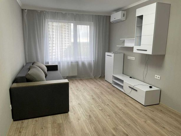 2-комнатная квартира Вишняковского 2