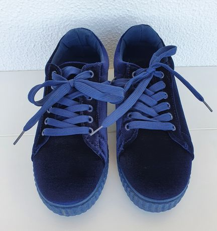 Sapatos de sola alta em veludo da Seaside