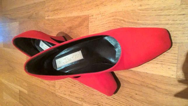 Buty czerwone czółenka rozmiar 39