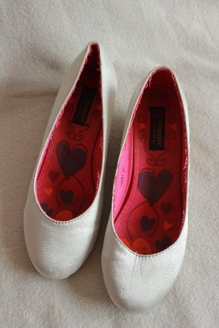 Eleganckie buty na mały obcas PRACA/POPRAWINY/WESELE