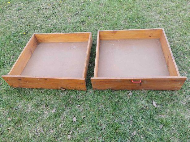 szuflada drewniana pod łóżko na kółkach