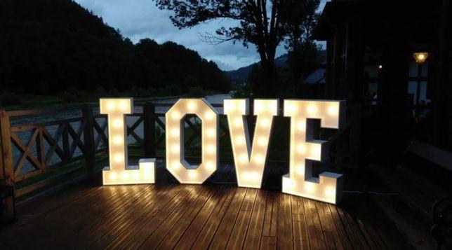 Napis LOVE na wesele led