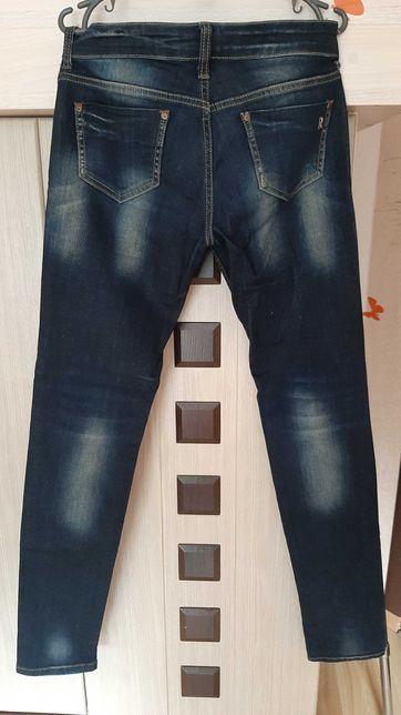 Продам джинсы 48р.