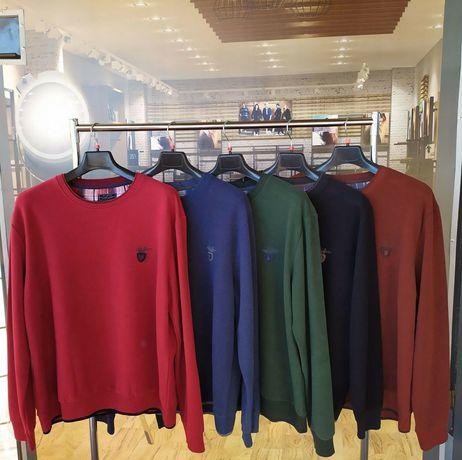 Большой выбор велюровых свитеров бренд Mcl. Размер ботал и норма.
