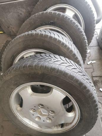 Alufelgi r. 15 do Mercedesa + opony zima (185/65R15)
