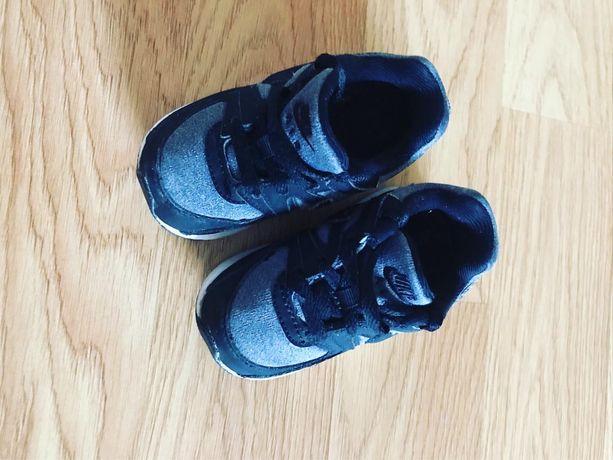 Кросівки Nike air 21 розмір 11-12 см стілька