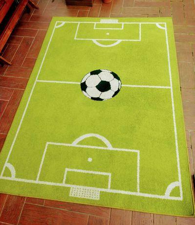Duży dywan piłka nożna 160x220
